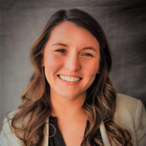 Headshot of Catie Bargerstock